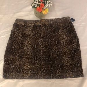 CHAPS SKIRT SIZE 16.  NWT
